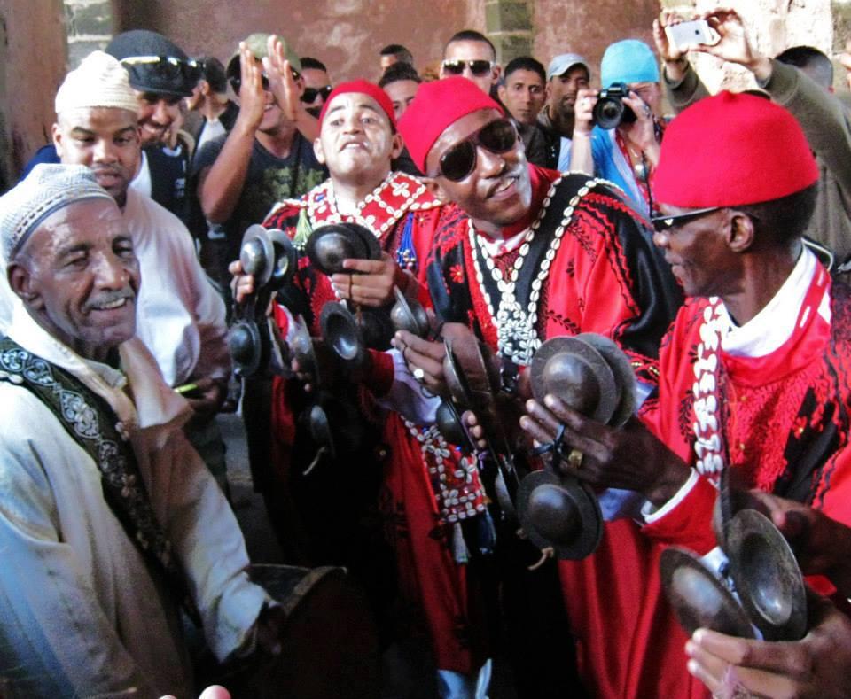 מסדר הגנאווה במרוקו: חגיגה של מוזיקה, פולחן וחוויה רוחנית
