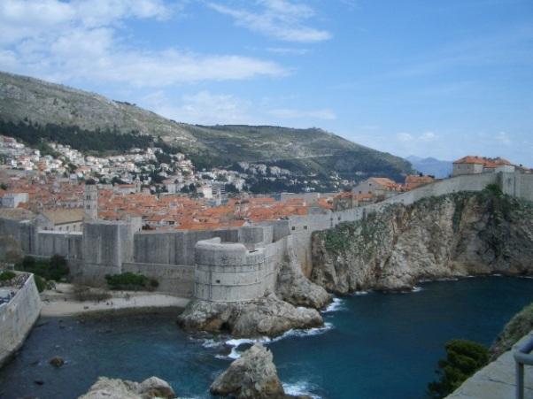 החוסן הכלכלי מתחיל להיסדק - חומת דוברובניק בקרואטיה (צילום: ויקימדיה)