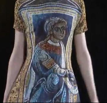 הדפס בדמות קדוש נוצרי מימי הביניים. דולצ'ה וגבאנה - תצוגת סתיו-קיץ 2013