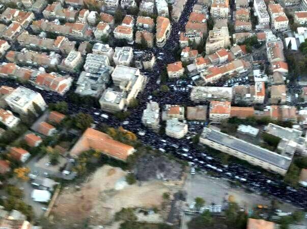 מאות אלפי אבלים חוסמים את ירושלים (צילום: משטרת ישראל)