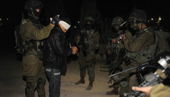"""המעצרים הלילה (צילום: דו""""צ)"""