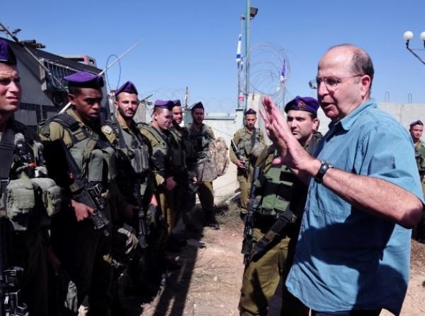 """""""כל עוד מתקיים תהליך ואנחנו מחויבים לו, נשחרר גם את האסירים בפעם הבאה"""". משה (בוגי) יעלון (צילום: אריאל חרמוני, משרד הביטחון)"""