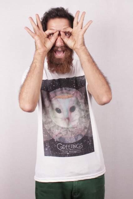 חולצת טי של Gelada: הכי אנטי ממסדי. מתוך: טי-מארקט 2013. צילום: גיא רוטר