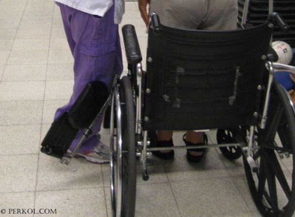 שירות ללא תור לנכים בכיסאות גלגלים במשרדי הרישוי