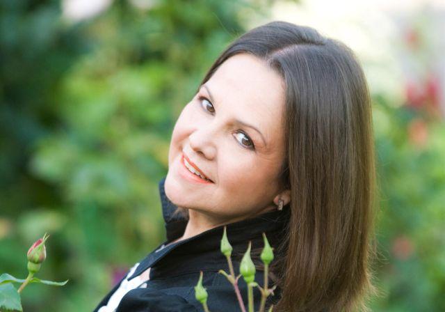 אן מרי דוד, הזמרת הצרפתיה, בסוף שבוע רומנטי במלון רויאל רימונים ים המלח