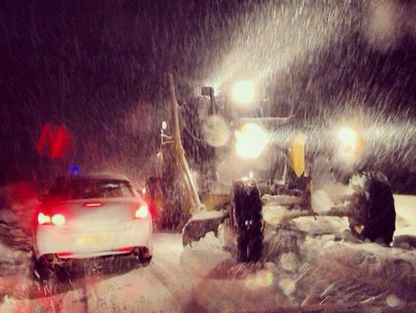 פעולות החילוץ בלילה (צילום: אדר יהלום, משטרת ישראל)