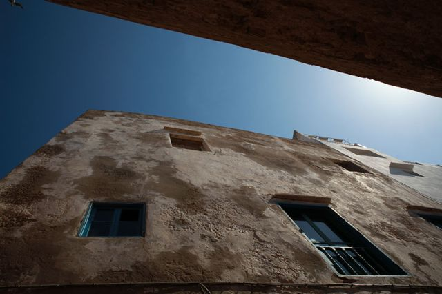 איסווירה, עיר נמל בצבעי כחול לבן. (צילום: ענבל כהן חמו)