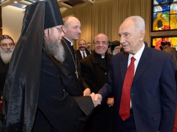 """הנשיא פרס: """"לא נסבול פגיעה במקומות הקדושים לנצרות"""""""