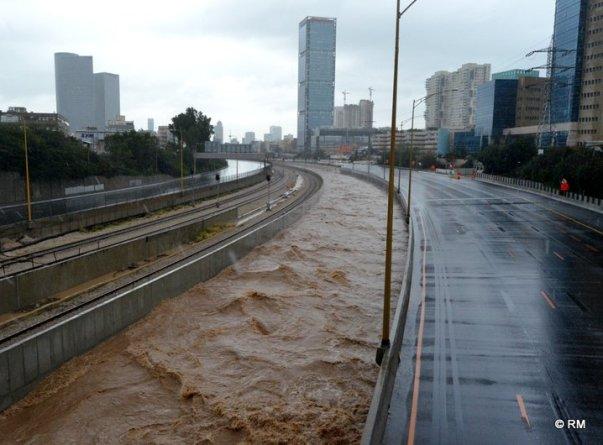 """הטיסות בשדה דב בתל אביב התבטלו ביום רביעי והועברו לנתב""""ג"""