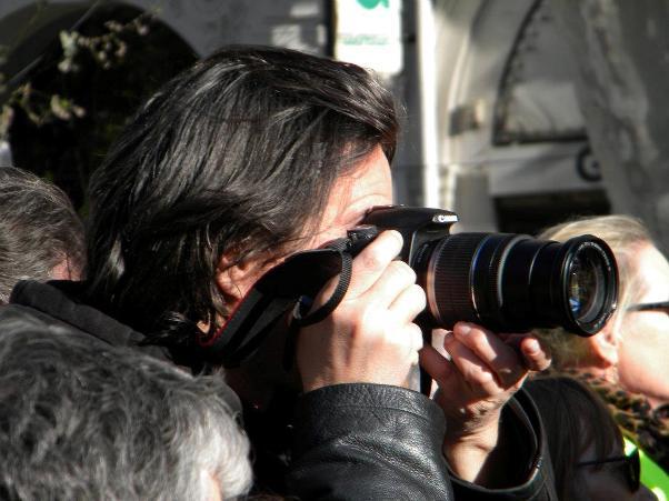 רפאל רפאלי ישלם פיצויים לצלם פפראצי