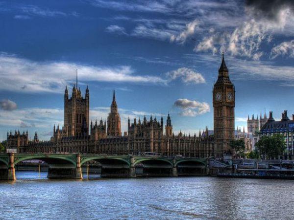 המהגרים עוברים את הגשר היבשתי ומגיעים ללונדון (ויקימדיה)
