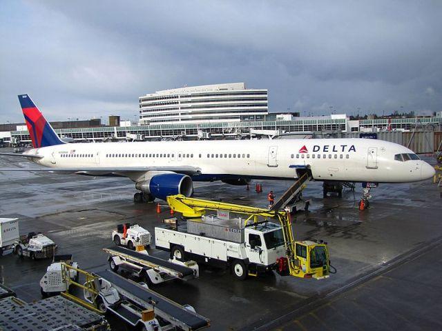 בואינג 757-300 של חברת דלתא (מקור: ויקימדיה)