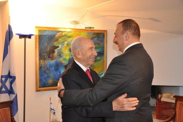 נשיא המדינה פרס, בפגישה עם נשיא אזרביג'אן אלאייב (צילום: דוברות בית הנשיא)