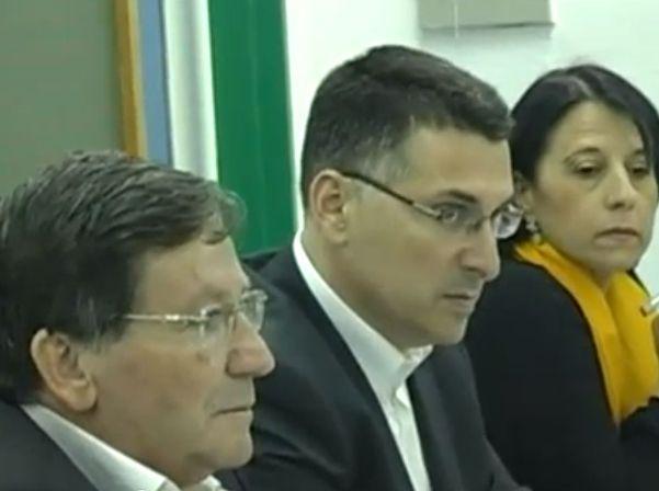 נהריה: שר הפנים קיבל אזרחות כבוד, הטקס נסגר לתקשורת