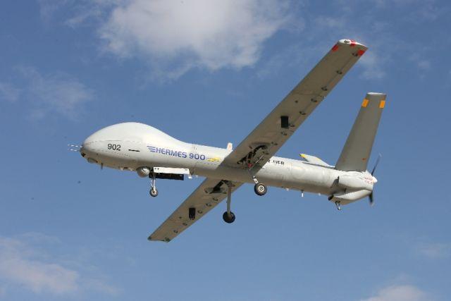 הרמס 900. בטיסה בגובה של יותר מ-30 אלף רגל, נפח גוף גדול המתאים לנשיאת כמות גדולה של מטעדים וכן יכולת טיסה בתנאי מזג אוויר קשים