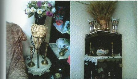 שני זוגות פמוטים מברונזה בבית משפחה בבית חנינה (צילומים באדיבות צבי מסיני)