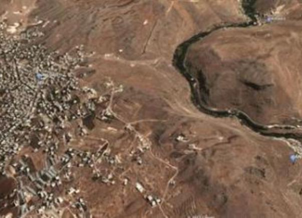 העיירה א-נבי שית' בסמוך לגבול סוריה לבנון (צילום אוויר: הדיילי סטאר הלבנוני)