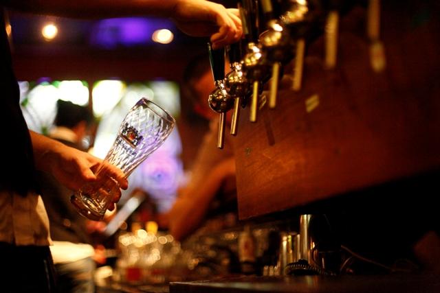 """רק מתי מעט יודעים מהי הבירה הבריטית האמיתית של """"אוסקר ווילד"""" (צילום: אפיק גבאי)"""