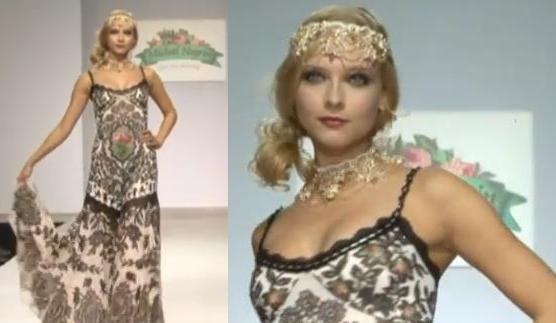 """עיטור ראש מוזהב ושמלה רומנטית בעלת הדפס דמוי רקמה. """"מיכל נגרין"""". מתוך: שבוע האופנה במוסקבה 2011"""