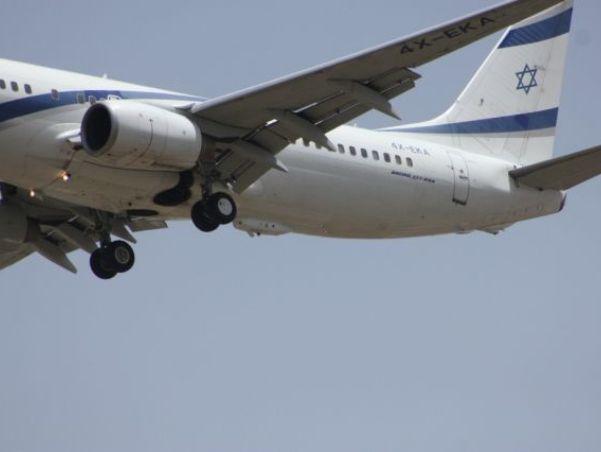 מערכת מגן רקיע המותקנת בגחון מטוס בואינג 737 של אל על. צילום: אלביט מערכות