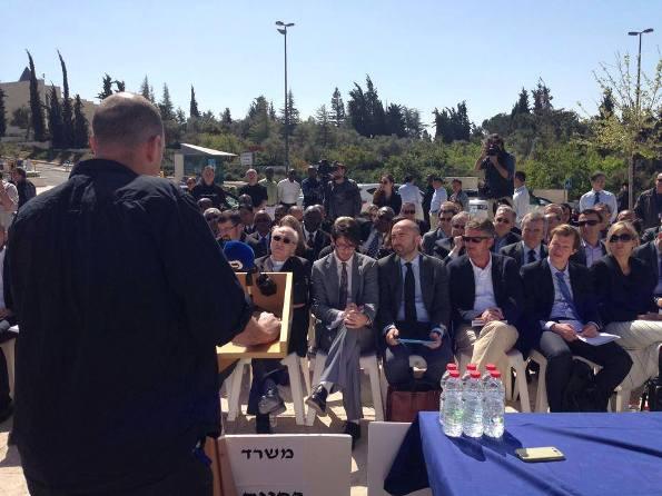 עובדי משרד החוץ מתדרכים את השגרירים (צילום: ועד עובדי משרד החוץ)