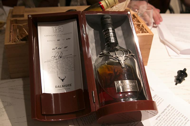 הזדמנות נדירה לטעום משקאות של פעם בחיים - וויסקי ב-7,000 שקל לבקבוק (צילום: דן בר-דוב)