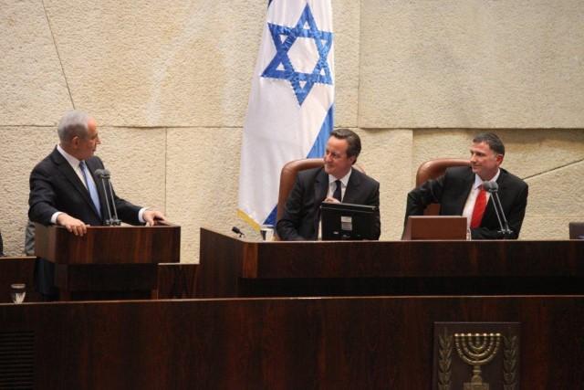 """""""אמרו לי שאבין את משמעות המילה 'בלאגן'"""". שני ראשי ממשלה על דוכן הכנסת (צילום: דוברות הכנסת)"""