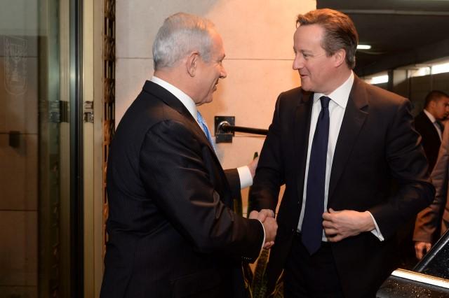 """ראש ממשלת בריטניה מתקבל ע""""י נתניהו בלשכתו (צילום: קובי גדעון/לע""""מ)"""