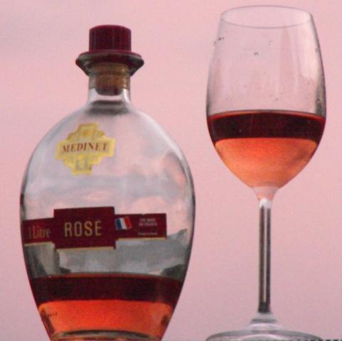 רוזה - היין האידיאלי לחג פורים