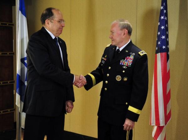 רמטכ''ל צבא ארה''ב דמפסי והשר יעלון (צילום: אריאל חרמוני, משרד הביטחון)