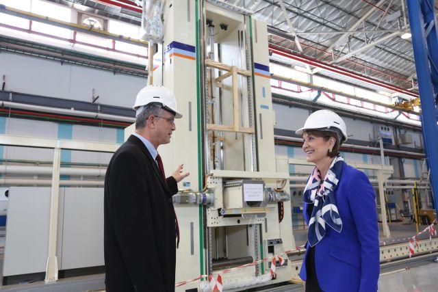 """יו""""ר ומנכ""""לית לוקהיד מרטין ביקרה היום בתעשייה האווירית"""