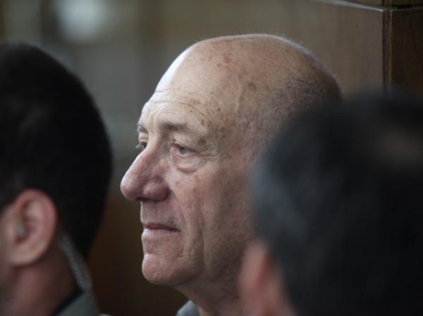 התביעה ביקשה להשית על אולמרט שש שנות מאסר לפחות