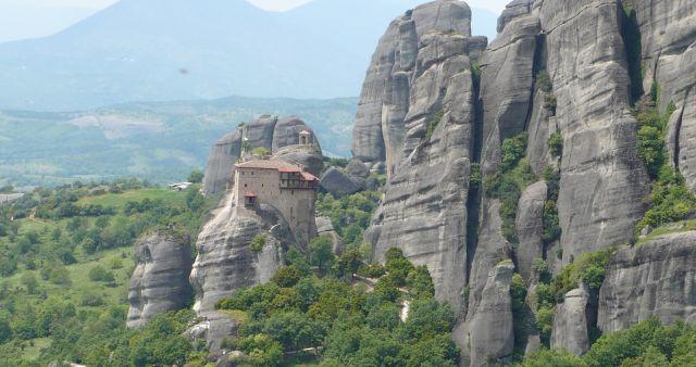 עוד צוקי מטאורה והמנזר. סיורים מקורפו. (צילום: עירית רוזנבלום)