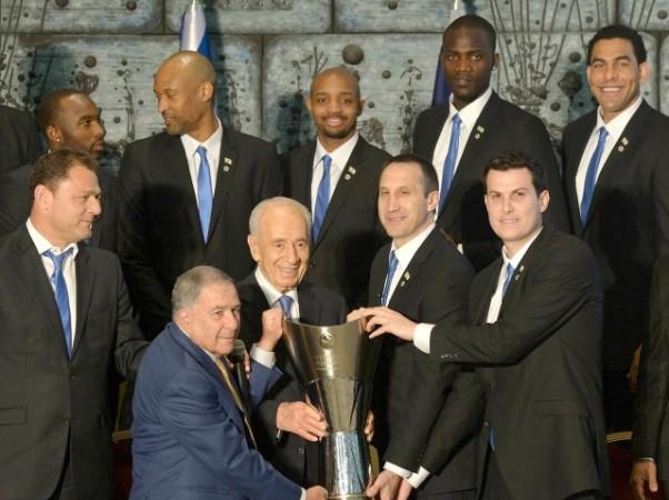 """""""הבאתם גאווה גדולה לישראל"""" אמר נשיא המדינה לקבוצת מכבי"""
