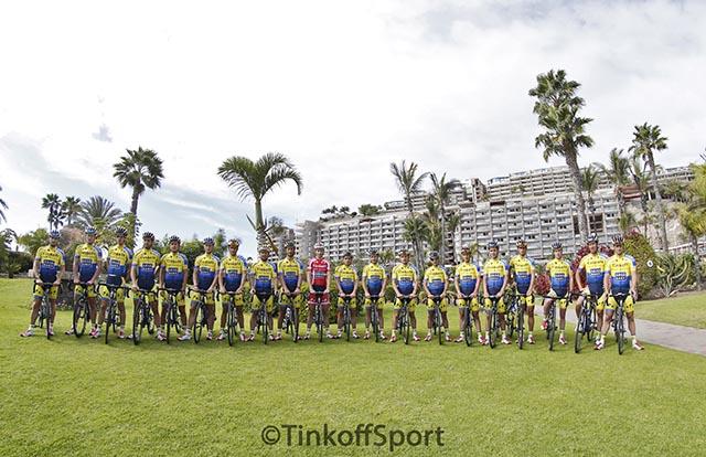 צוות הרוכבים - טינקוף-סקסו. צילום: Luca Bettini/BettiniPhotoÂ