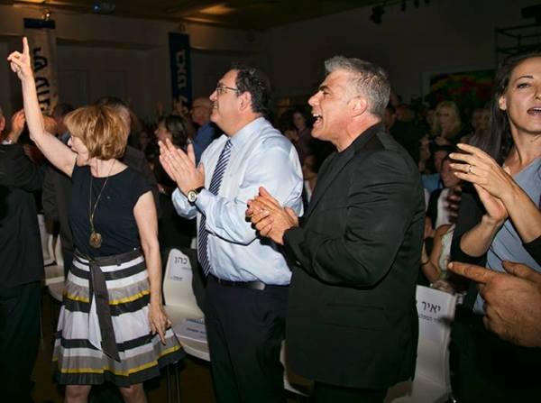 השרה גרמן פוצחת בריקוד (צילום: דן בר דוב)