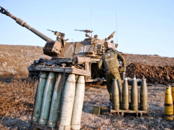"""צה""""ל תקף ברצועת עזה ובסוריה בתגובה לירי רקטות"""