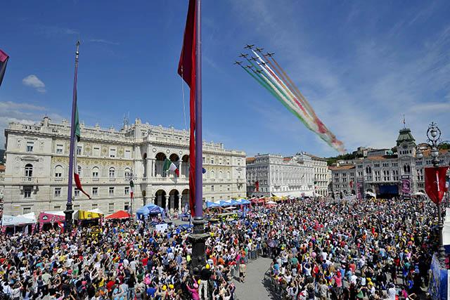 חגיגות הסיום בטריאסטה. צילום: Marco Alpozzi / lapresse