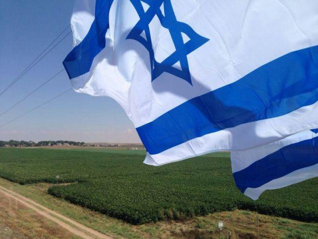 דגלי ישראל נתלו לאורך כבישים בדרום