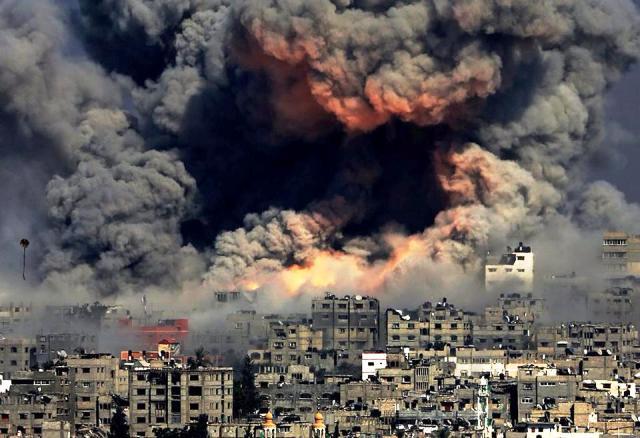 """הפצצות כירורגיות בעזה (צילום: """"Gaza Now"""")"""