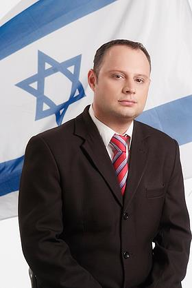 """נכנס. ח""""כ אלכס מילר (צילום: אתר הכנסת)"""
