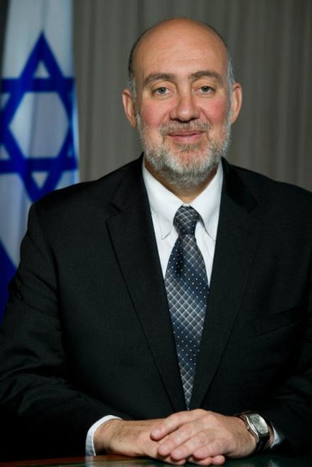 """רון פרושאור: """"הקהילה הבינלאומית אבדה את דרכה"""" (צילום: ויקיפדיה)"""
