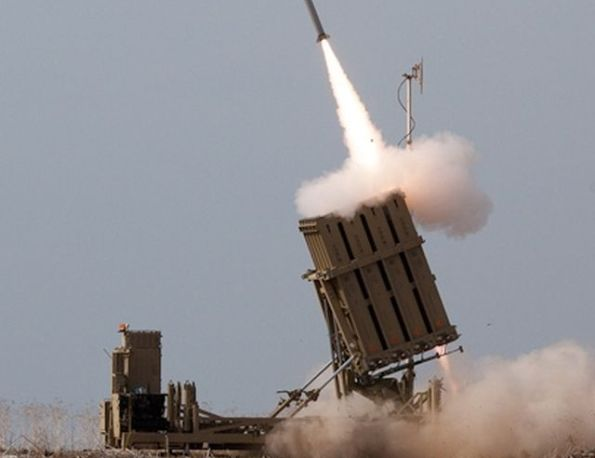 """כיפת ברזל. לא מסוגלת ליירט רקטות קצרות טווח ופצמ""""רים הנורים לעבר ישובי עוטף עזה. צילום: דובר צה""""ל"""
