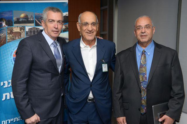 מימין לשמאל: יוסי פתאל מנכ