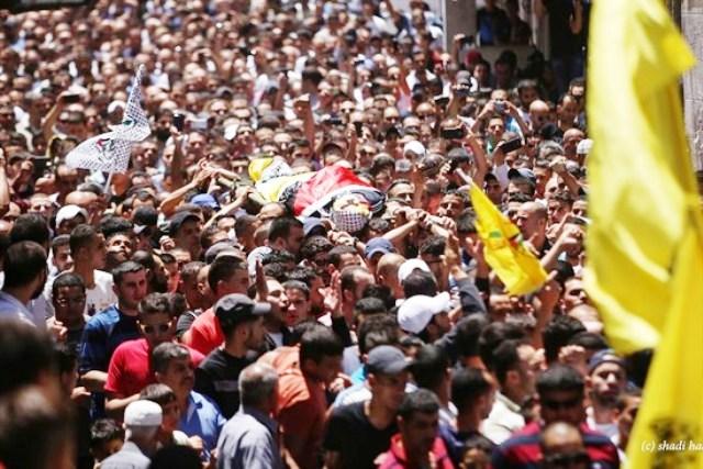 """אלפים בלווית  הנער שנורה בידי מח""""ט בנימין, קראו לנקם בישראל"""