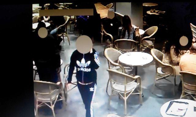 מפגש בקפה לצרכי הסחיטה (צילום מסך באדיבות משטרת ישראל)