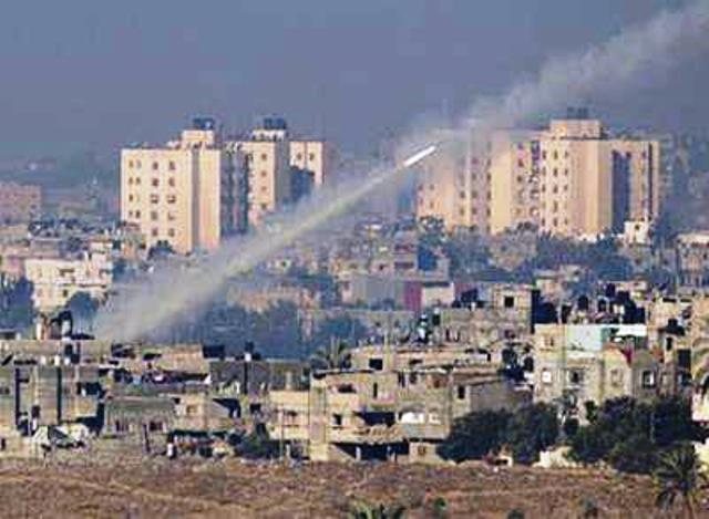 שיגור רקטה לעבר ישראל (תמונת ארכיון)