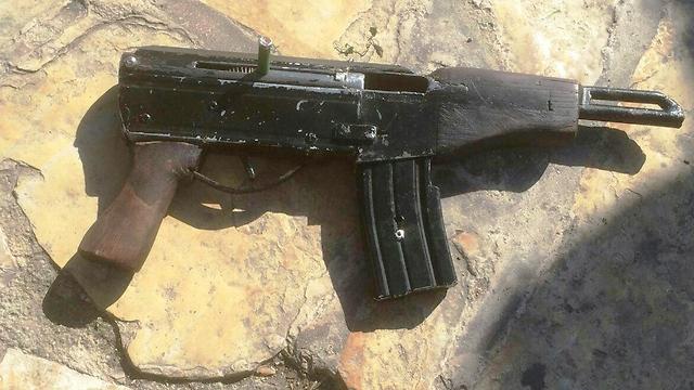 הנשק ששימש את המחבלים (צילום: חטיבת דובר המשטרה)