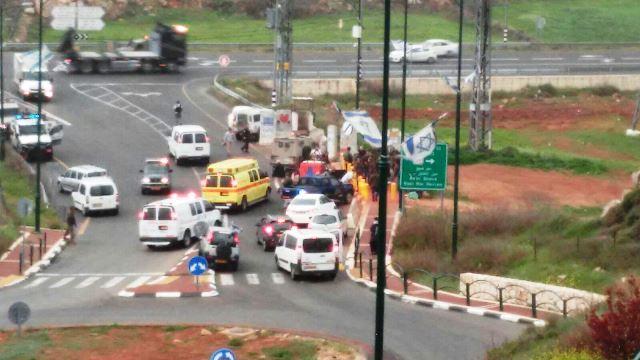זירת הפיגוע - צומת הכניסה להתנחלות קריית ארבע