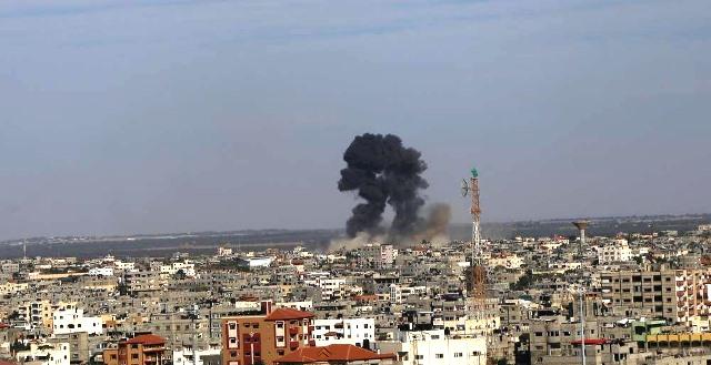 התקיפה בעזה (צילום: תקשורת פלסטינית)